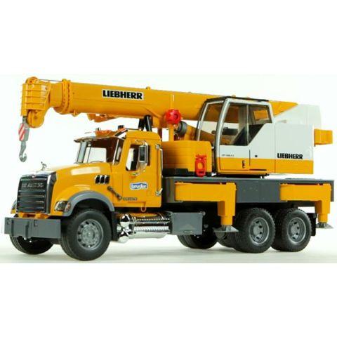 Autojeřáb MACK Liebherr, stavební jeřáb 02818 BRUDER