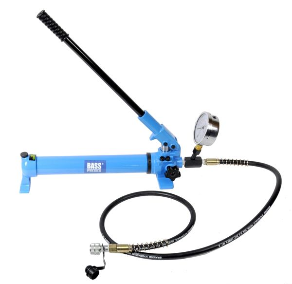 Ruční hydraulická pumpa 700bar s manometrem BASS