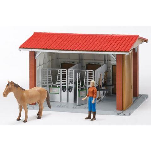 Stáj s jezdkyní, koněm a příslušenstvím 62520 BRUDER