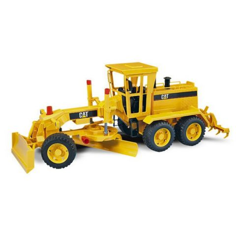 Zarovnávací stroj, silniční shrnovač Caterpillar 02436 BRUDER